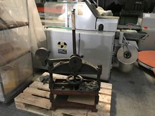 Tranklein Screw clamping press Máquinas de tapa dura