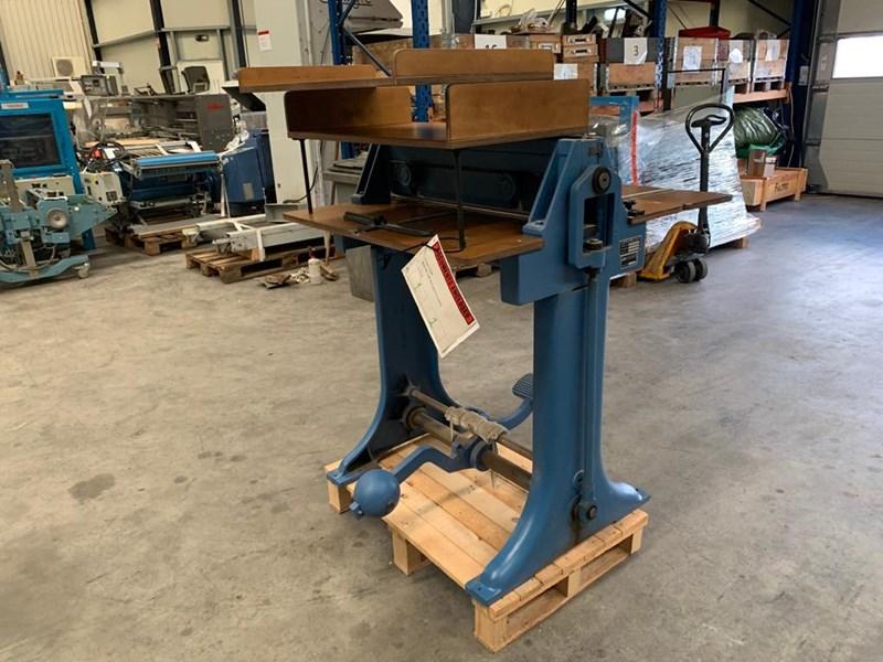 Bickel BF 2/68 creasing machine