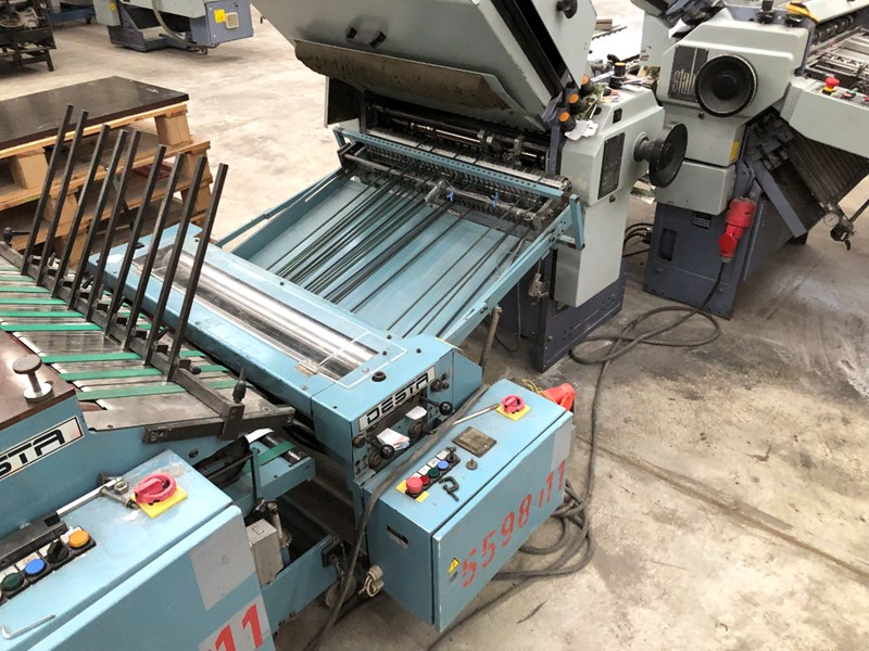 Stahl TFU 78 4/2 folding machine