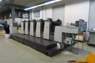 Komori Lithrone L528 Offset de pliegos