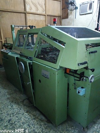 1999 KOLBUS DA240 CASEMAKER  Case production