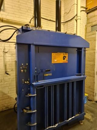 2007 Mac-Fab Single Chamber Waste Baler Waste Handling