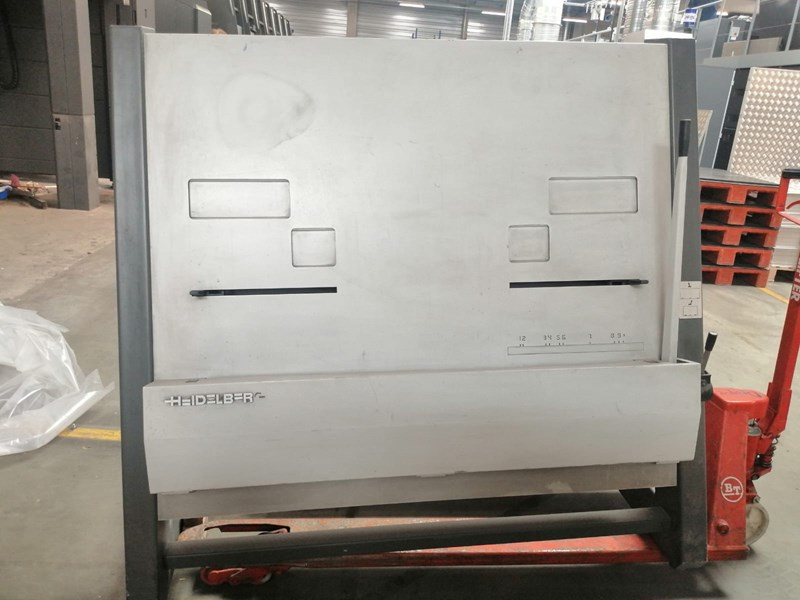Show details for Heidelberg Plate Punch SM 102 / XL 105