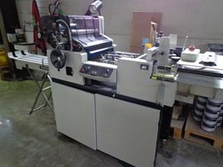 AM Multigraphics 1650 Offset de pliegos