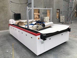 GoldenLaser CJGV-160200LD Laser Cutter Screen Printing Equipment