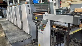 Komori  Lithrone L528+C EM Offset de pliegos
