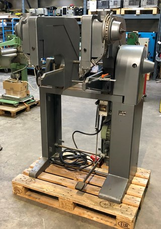 Hang 150 - 2 head riveting machine File production