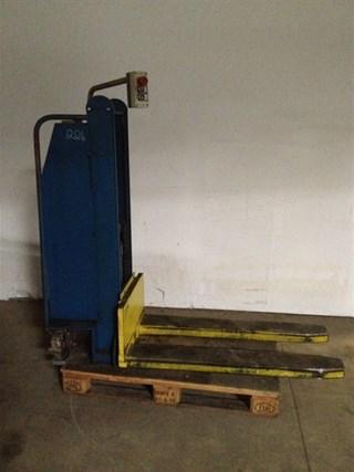 Butler 1200 Stack lift Pile turner / elevator