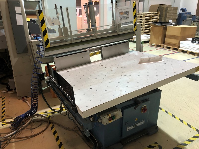 Show details for Baumann Jogging Table with air removal