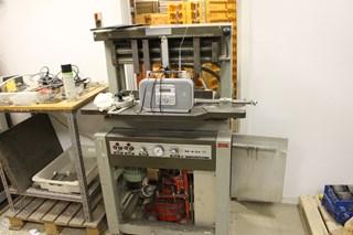 Iram 16 Drilling machine  Perforación de papel