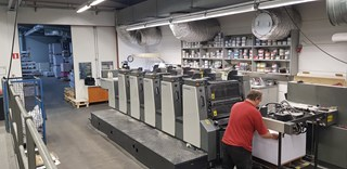 Komori Lithrone L-528,  2002,  only 67 Mil Imp ! Sheet Fed