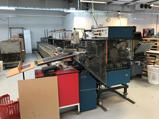 21 station Gatherig Theisen & Bonitz TB Sprint 320.  Stitcher, Folder, Trimmer  Zusammentragmaschinen