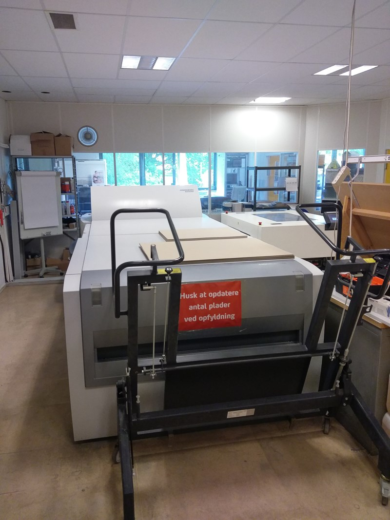 Show details for Heidelberg Suprasetter 105 2007 Fast model 30 p/h 2007  laser IN GOOD CONDITION