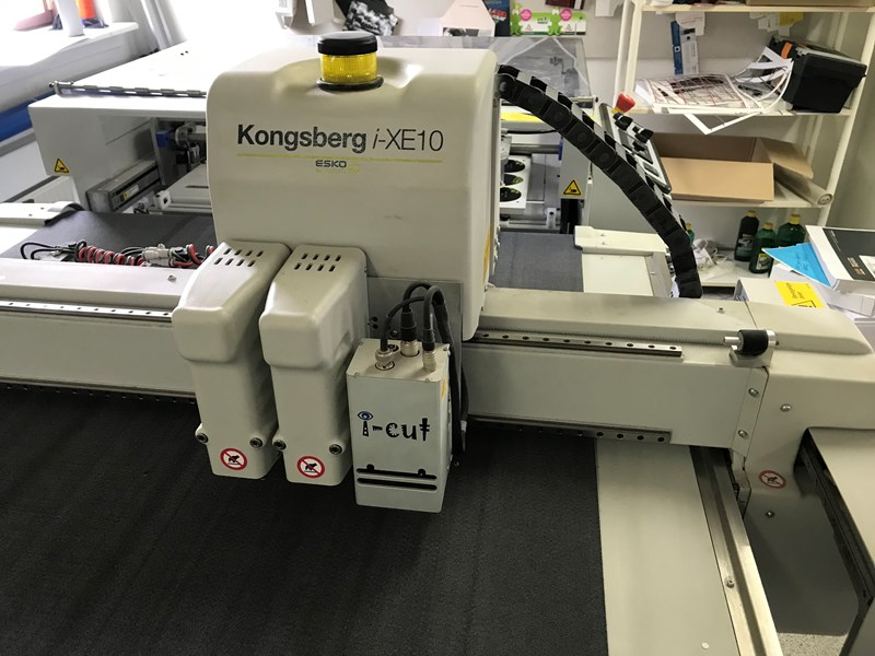 Full aut. cuting table Kongsberg I-EX10 Full automatik ind-feed, delivery,Wast seperator