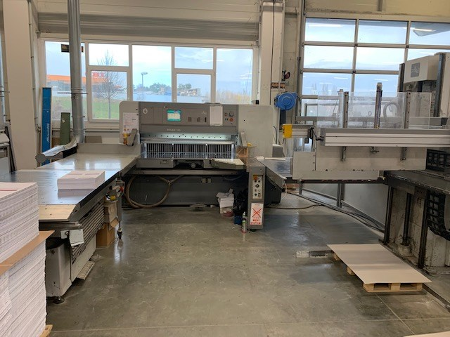 Show details for Polar 155 E Guillotine automatic cutting line
