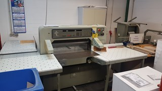 Polar 92 EMC with Lift and Jogger Guillotines/Cutters