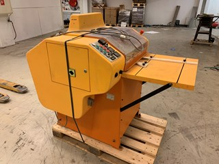 Societe Formfil Th. M.S. 3000 manually fed polypropylene welding machine, Case production