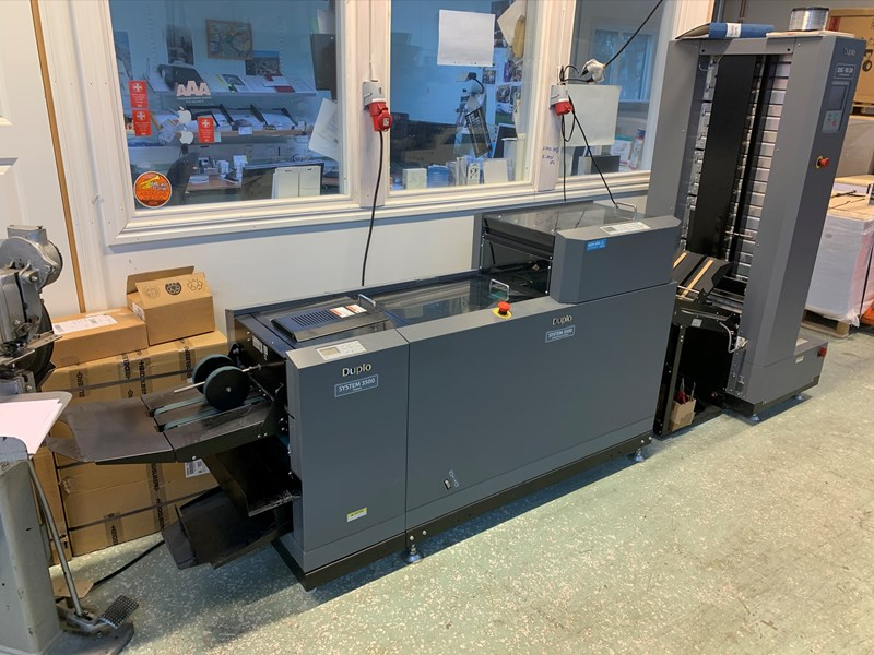 Show details for Duplo DCS-10/20 Collator and System 3500 Booklet Maker