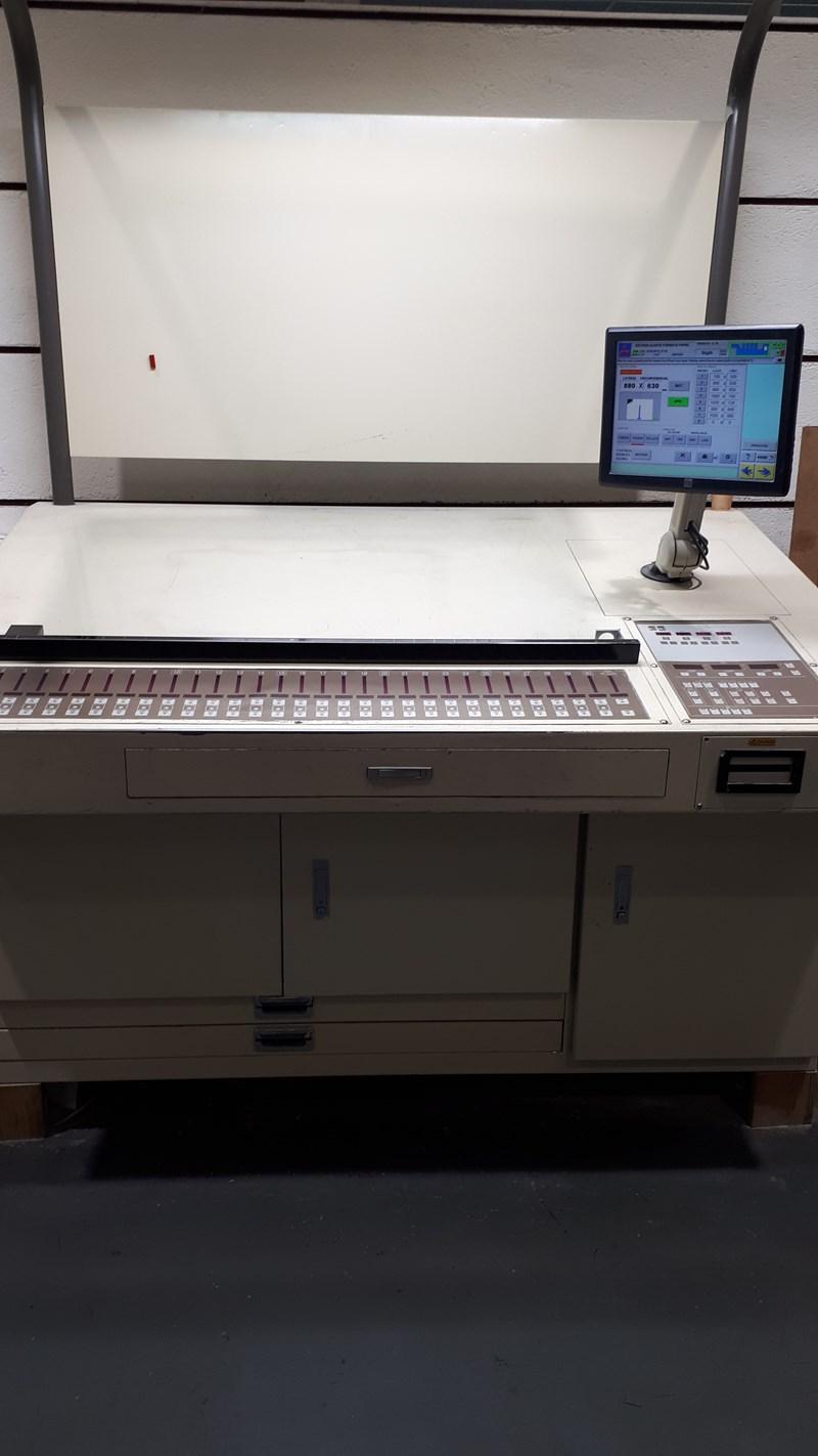 Mitsubishi D3000 -4