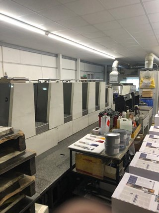 Komori Lithrone LS 529 + C Offset de pliegos