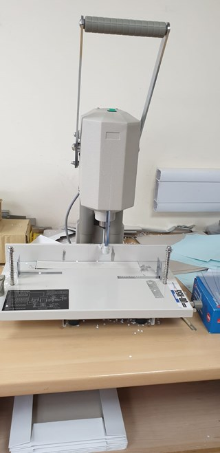 Durselen  Uchida UD-H55 Paper drilling & punching
