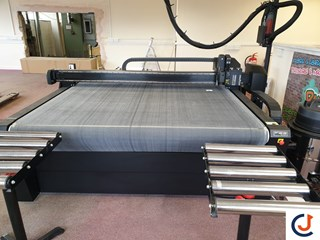 Summa F1612 Flatbed Cutting System  Cutters & Routers