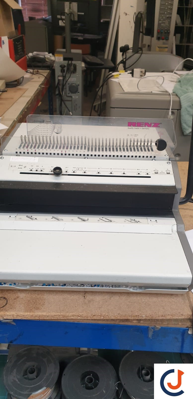 Renz 3:1 Wire Punch & Closer Binding Machine