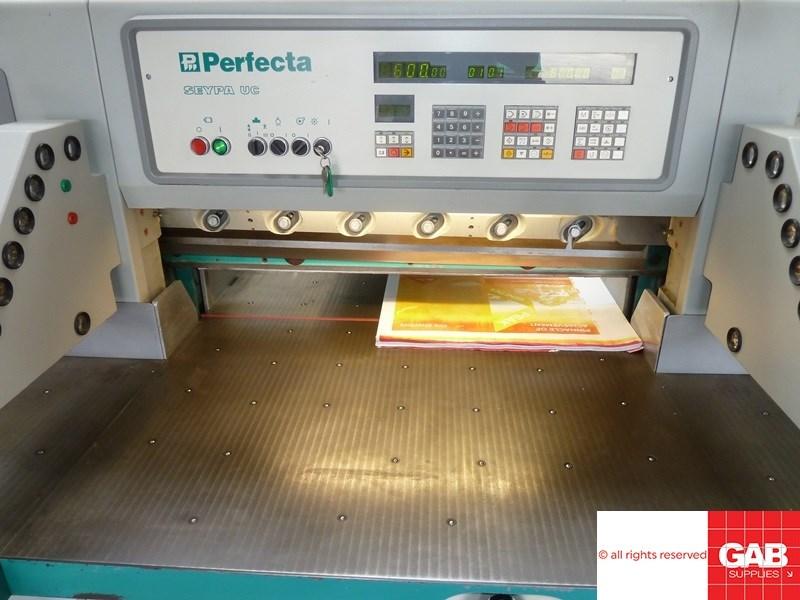 Perfecta 92 UC-2 paper cutter