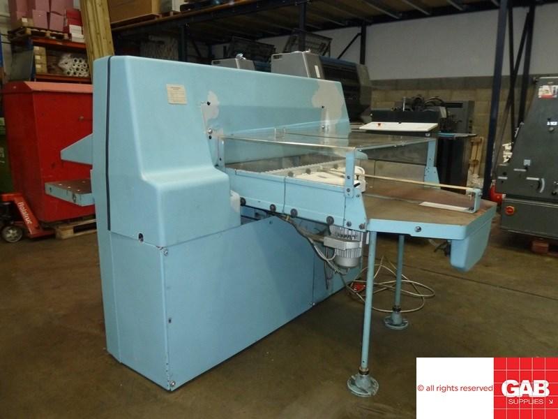 Wohlenberg 92 MCS-2TV guillotine
