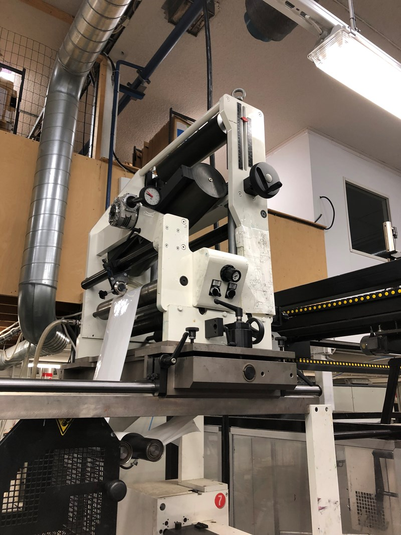 Omet Varyflex 340 with chill rolls and auto register